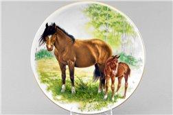 Тарелка Настенная 24 см Лошадь с Жеребенком 1 штука Чехия